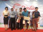 Giám đốc Ba Lô Túi Xách vinh dự trao giải thưởng và quà tặng từ Vutin tại Giải Goft Phim điện ảnh ở Sân Goft Long Thành