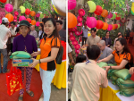 Giám đốc Ba Lô Túi Xách đại diện Sen Vàng Yêu Thương - trao 100 phần quà tại chùa Phụng Ân Củ Chi