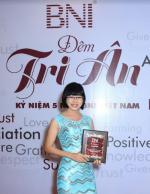 Doanh nhân Võ Thị Thu Sương - Giám đốc BaloTuiXach được tri ân mừng BNI 5 năm