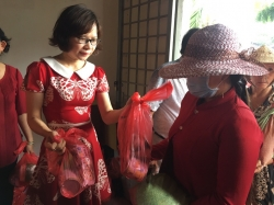 Giám đốc Công ty TNHH Ba Lô Túi Xách chia sẽ khó khăn cùng bà con nghèo tỉnh Tiền Giang