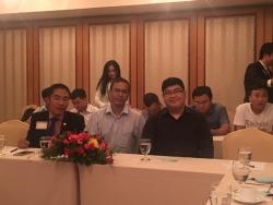 Hợp tác cùng trưởng phòng kinh doanh quốc tế người nước ngoài cuả balotuixach.vn