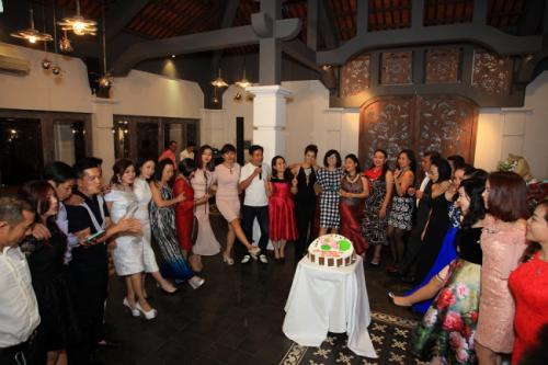 Chị Sương tại buổi tiệc sinh nhật đối tác của Balo Túi Xách 4