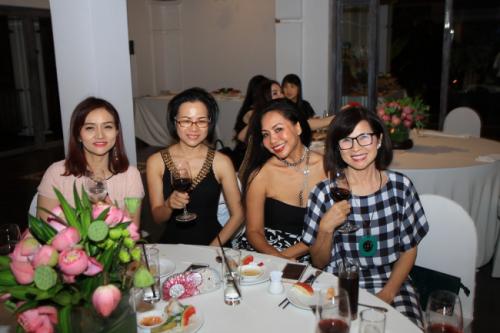 Chị Sương tại buổi tiệc sinh nhật đối tác của Balo Túi Xách 10