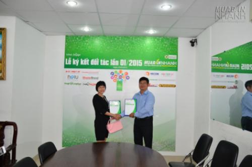 Ngày 25/05/2015, tại tòa nhà Mua Bán Nhanh đã diễn ra lễ ký kết đối tác chính thức giữa Công ty TNHH Ba lô túi xách (Balotuixach.com) và Mạng Xã Hội MuaBanNhanh.com.