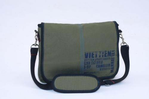Túi đeo chéo thời trang (nhò) - sản phẩm được Balotuixach thiết kế cho Tổng Công Ty Cổ Phần May Việt Tiến
