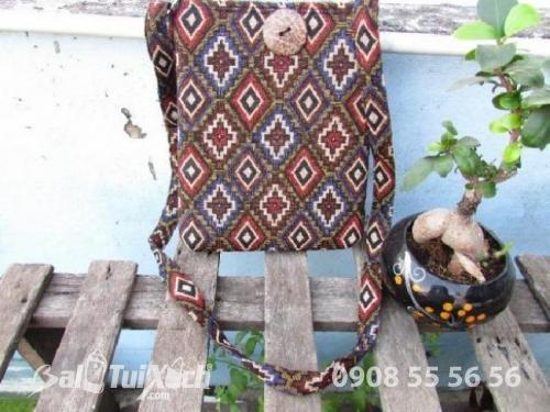 Xưởng sản xuất túi vải thổ cẩm đẹp độc lạ cho shop