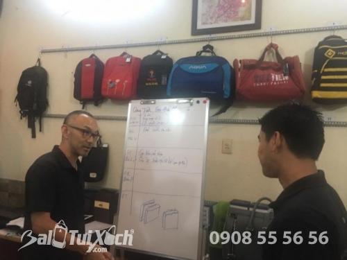 Công ty TNHH ba lô, túi xách kí hợp đồng sản xuất túi xách với Nhật Bản