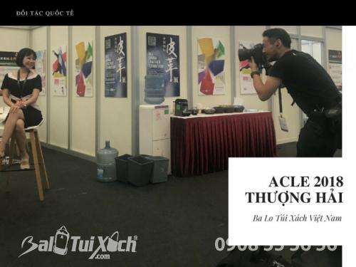 Trưởng đại diện Ba Lo Túi Xách Việt Nam phỏng vấn với truyền thông Triển lãm Quốc tế ngành Da Trung Quốc (ACLE) 2018 - Thượng Hải 3