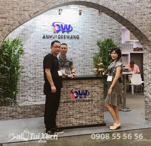 Làm việc với nhà cung cấp Anhui DeeWang