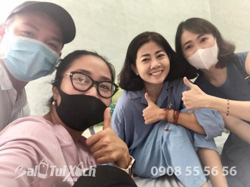 Trong suốt những ngày ở bệnh viện, Mai Phương nhận được sự quan tâm và chăm sóc chu đáo từ gia đình, bạn bè, đặc biệt là nghệ sĩ Ốc Thanh Vân