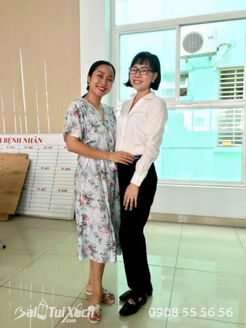 Đồng thời, những ngày qua, Ốc Thanh Vân là người luôn túc trực bên cạnh Mai Phương, nhận chăm sóc và nuôi dưỡng con gái của nữ diễn viên, điều này khiến người khác vô cùng cảm phục
