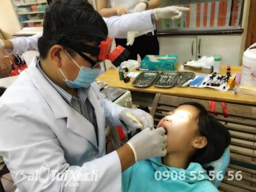Khám nha, chăm sóc răng miệng và khám mắt cho 180 em tại trường Ánh Sáng thuộc Trung tâm Bảo trợ Xã hội trẻ em thiệt thòi