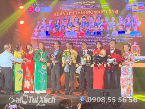 Chủ tịch HDQT BaloTuiXach.com nhận giải Doanh nhân vì Cộng đồng năm 2019, 469, Huyền Nguyễn, Balo túi xách, 19/01/2019 18:35:01
