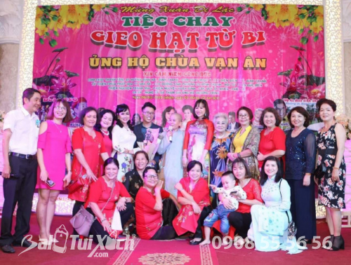 Chủ tịch BaloTuiXach Group tham gia chương trình Mừng Xuân Di Lặc - Tiệc chay Gieo Hạt Từ Bi - Ủng hộ Chùa Vạn Ân (1)