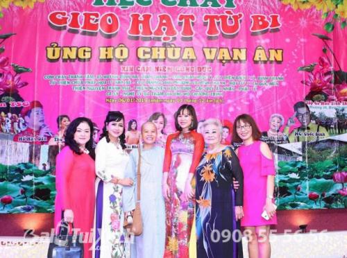 Chủ tịch BaloTuiXach Group tham gia chương trình Mừng Xuân Di Lặc - Tiệc chay Gieo Hạt Từ Bi - Ủng hộ Chùa Vạn Ân (3)