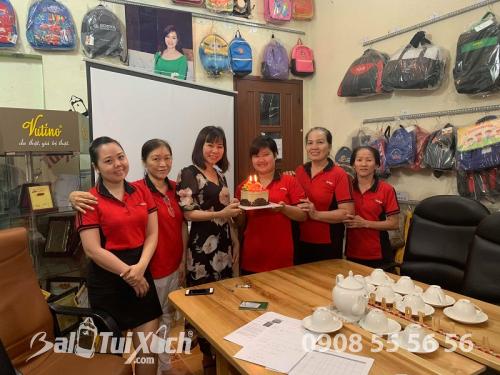 Văn hóa BaloTuiXach - Tổ chức sinh nhật cho nhân viên tháng 1/2019, 478, Huyền Nguyễn, Balo túi xách, 20/02/2019 15:59:11