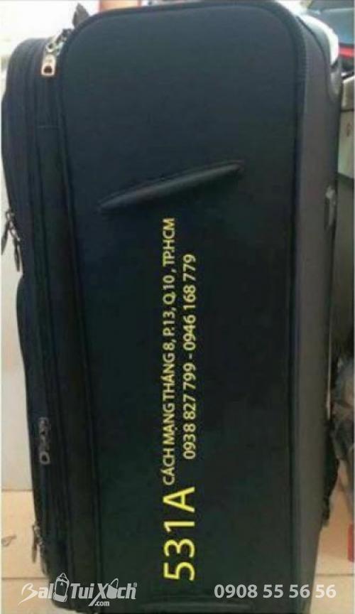 Vali áo dài Tuấn Hải - in thông tin showroom bên hông vali