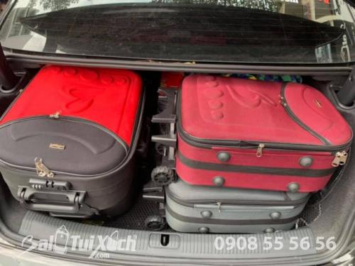 Sắp xếp 4 vali vào cốp xe vẫn rộng vì chồng 2 trên 2.