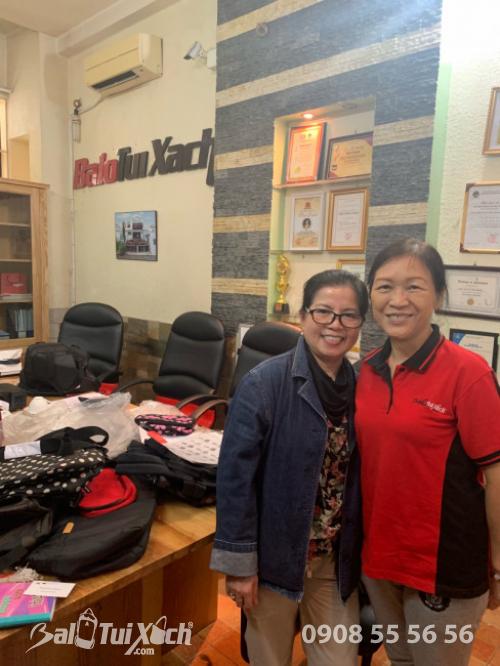 Đối tác khách hàng Nhật làm việc tại văn phòng BaloTuiXach