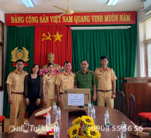 Chủ tịch BaloTuiXach cùng tham gia lễ dâng hương tưởng niệm các Anh hùng liệt sĩ tại Côn Đảo (2)