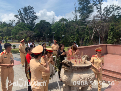 Chủ tịch BaloTuiXach cùng tham gia lễ dâng hương tưởng niệm các Anh hùng liệt sĩ tại Côn Đảo (5)