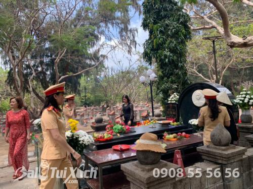 Chủ tịch BaloTuiXach cùng tham gia lễ dâng hương tưởng niệm các Anh hùng liệt sĩ tại Côn Đảo (6)