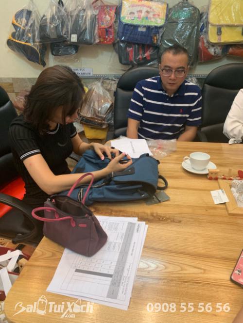 BaloTuiXach đón khách đối tác Trung Quốc tìm đối tác gia công túi xách xuất khẩu (3)