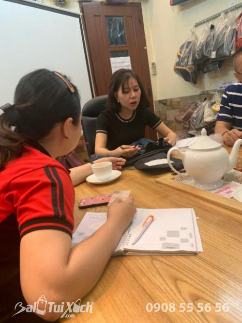BaloTuiXach đón khách đối tác Trung Quốc tìm đối tác gia công túi xách xuất khẩu (5)