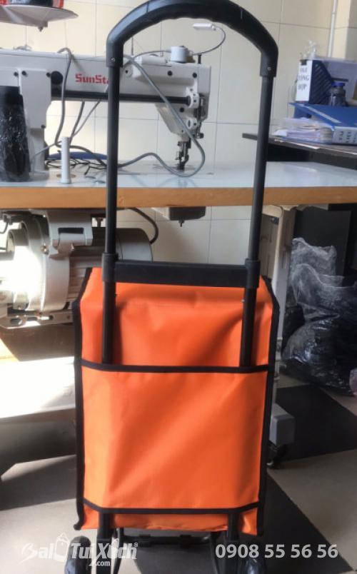 Túi xách mua sắm có bánh xe kéo - mặt sau