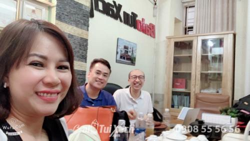 BaloTuiXach tiếp đón đối tác Hồng Kông tham quan Hệ thống phân xưởng sản xuất balo, túi xách (3)