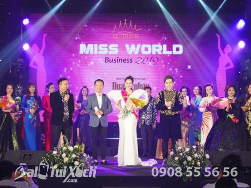Con đường đến với danh hiệu Hoa hậu Áo dài Doanh nhân Thế giới của cô gái bán dây nịt, 518, Huyền Nguyễn, Balo túi xách, 12/04/2019 15:13:41