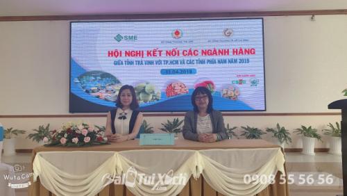 Doanh nhân Võ Thị Thu Sương (bên trái) tham dự Hội nghị kết nối các ngành hàng giữa tỉnh Trà Vinh với TP.HCM và các tỉnh phía nam năm 2019