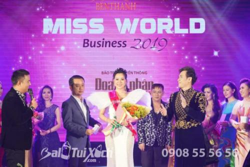 Doanh nhân Thu Sương tại Hoa hậu Áo dài Doanh nhân Thế giới 2019