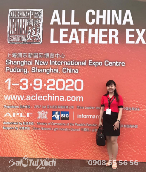 Chị Bảo Yến - đại diện B&A Vietnam (Balotuixach.com) tham dự triển lãm ACLE 2019 về nguyên liệu da tại Thượng Hải diễn ra trong tháng 9/2019.
