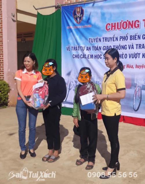 Công ty B&A Việt Nam trao tặng học bổng cho các em học sinh trường THCS Quảng Hoà, huyện Đắk Glong, tỉnh Đắk Nông (1)
