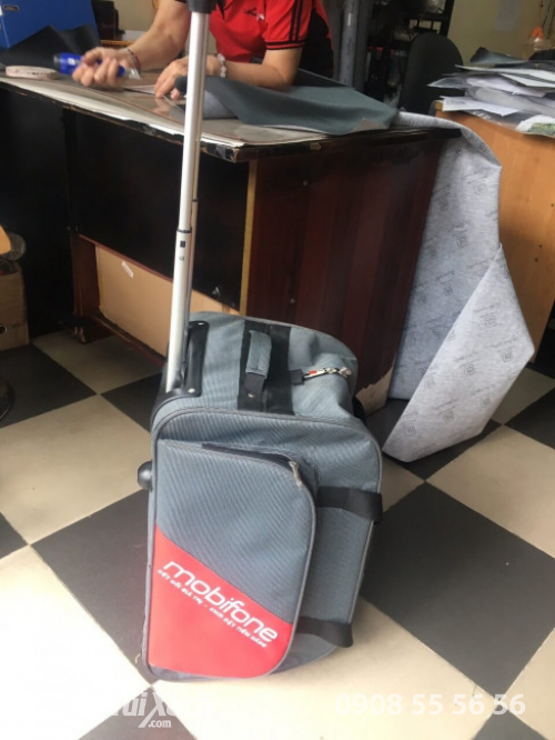 Nhà sản xuất vali kéo quà tặng Tết cho Mobifone - BaloTuiXach (2)