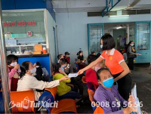 ATM khẩu trang - phát 10.000 khẩu trang miễn phí cho các bệnh nhân tại bệnh viện Nhi đồng 1 - Ảnh: 8