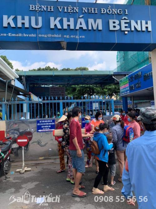 ATM khẩu trang - phát 10.000 khẩu trang miễn phí cho các bệnh nhân tại bệnh viện Nhi đồng 1 - Ảnh: 14