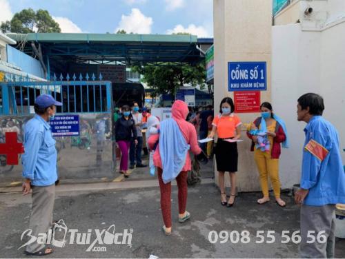 ATM khẩu trang - phát 10.000 khẩu trang miễn phí cho các bệnh nhân tại bệnh viện Nhi đồng 1 - Ảnh: 20