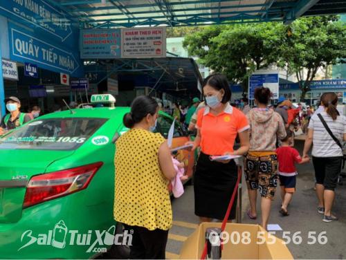 ATM khẩu trang - phát 10.000 khẩu trang miễn phí cho các bệnh nhân tại bệnh viện Nhi đồng 1 - Ảnh: 21