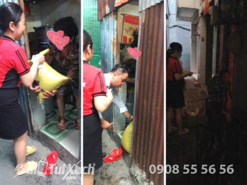BaloTuiXach hạnh phúc khi được giúp đỡ hộ khó khăn trong phường 2, quận 11, TPHCM  - Ảnh: 2